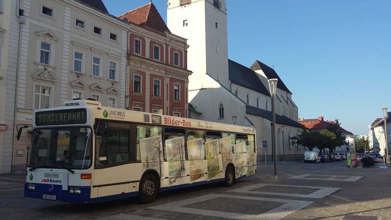 Bilderbus am Welser Stadtplatz