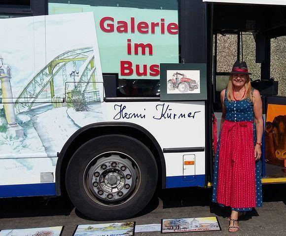 Galerie im Autobus mit Hermi Kuerner